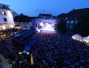 Concert STIMMMEN sur la place du marché de Lörrach