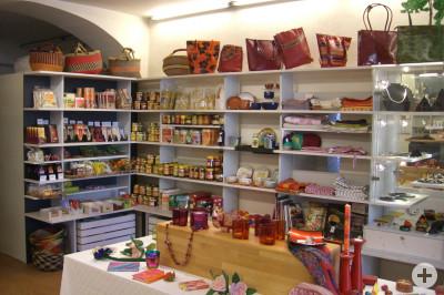 Lebensmittel und Kunstgewerbe aus Fairem Handel