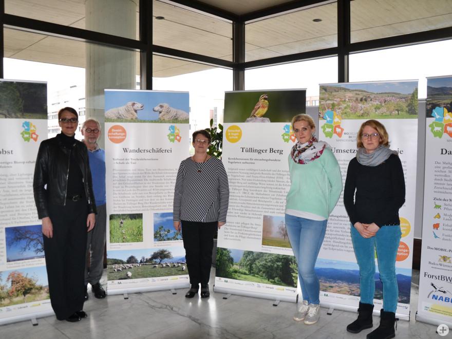 Bürgermeisterin Monika Neuhöfer-Avdić; Markus Mayer, Projektkoordinator MOBIL; Britta Staub-Abt, Fachbereichsleiterin Umwelt und Klimaschutz Stadt Lörrach; Agneta Obert, Stadt Lörrach; Dr. Astrid Deek, Trinationales Umweltzentrum (TRUZ)