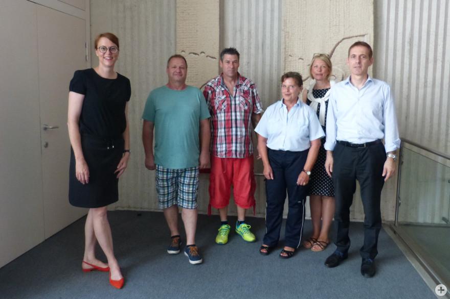 Bürgermeisterin Monika Neuhöfer-Avdić, Michael Hellwig, René Mendel, Petra Schurek, Claudia Sambale-Lebus und Oberbürgermeister Jörg Lutz