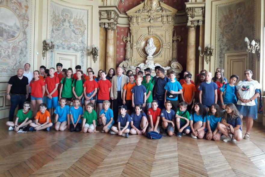 Gruppenbild der Jugendspiele 2019, Preisverleihung im Senser Rathaus