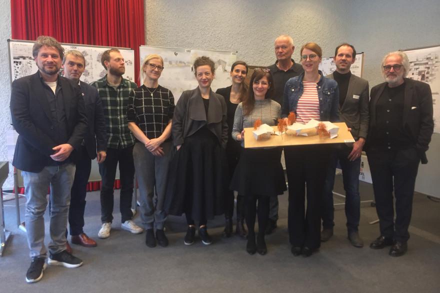 von links nach rechts: Juul Beckers, IBA Parkstad (Niederlande), Kurt Hofstetter, IBA Wien (Österreich), Björn Vollmer (Bürger aus Lörrach), Sabine de Buhr, IBA Hamburg, Kerstin Faber, IBA Thüringen, Joelle Zimmerli, Zimraum Zürich, Monica Linder-Guarnac