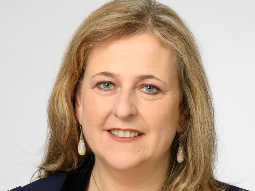 Isabelle Trendel, 2020 gewählte Bürgermeisterin von Village-Neuf
